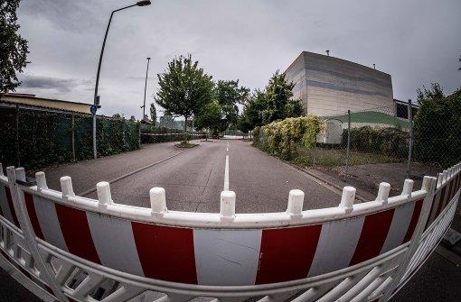 Die Albert-Dulk-Straße bleibt weiterhin gesperrt. Foto: Lichtgut/Max Kovalenko