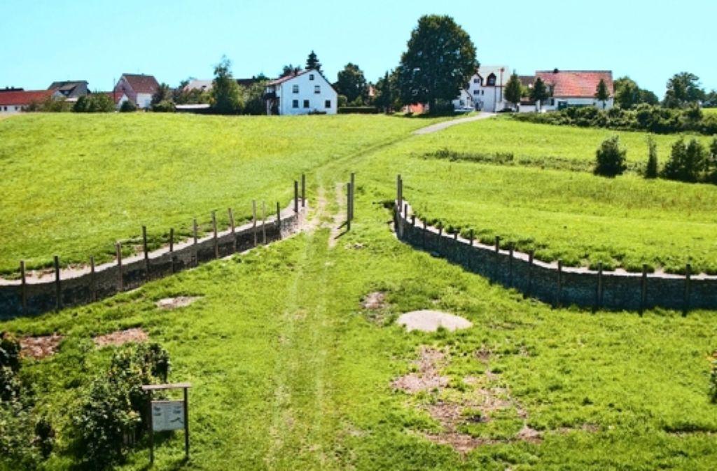 Die Rekonstruktion des Zangentores bei Erkenbrechtsweiler ist ein Teil des Bemühens, das keltische Erbe sichtbar zu machen. Foto: Ines Rudel