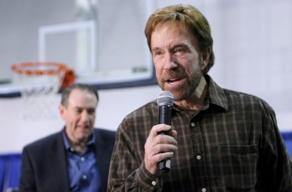 Chuck Norris wird 75. Mit ihm feiern die Fans der legendären Chuck-Norris-Witze. Foto: EPA FILES