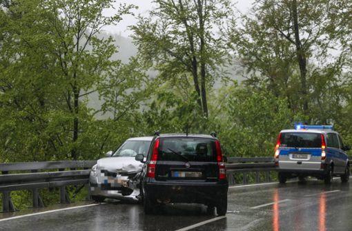 Heftiger Frontalcrash fordert drei Verletzte
