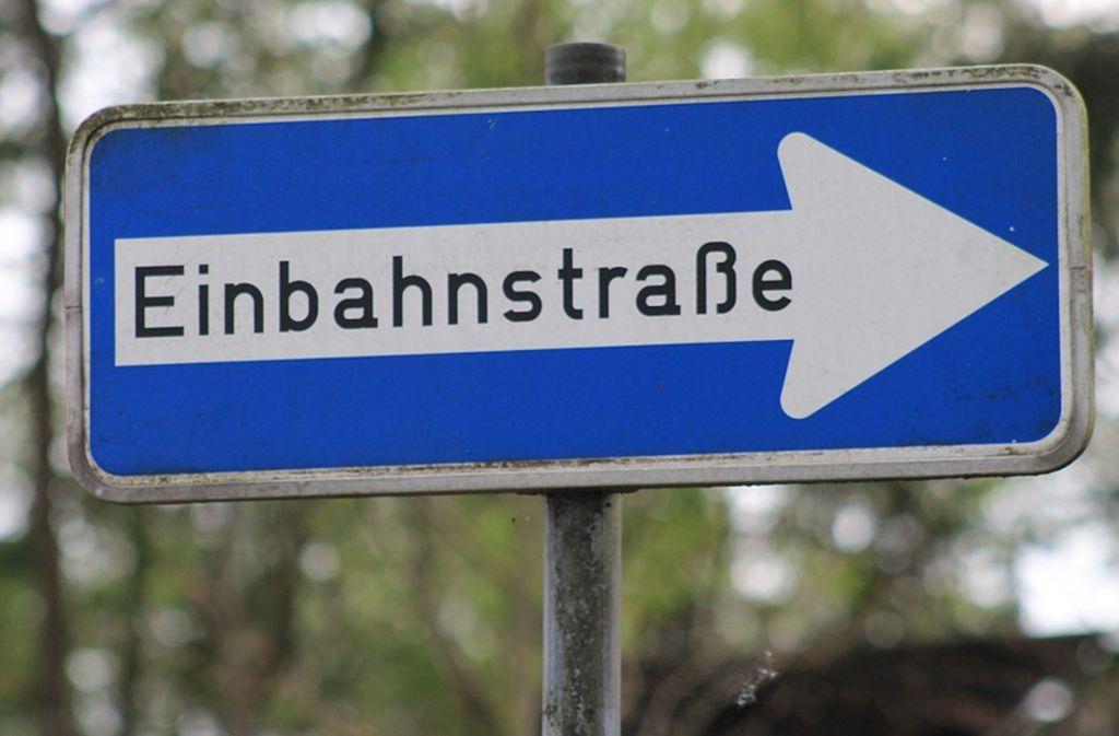 Nicht jeder freut sich über die Einbahnstraßen-Regelung am Freibad. Foto: pixabay.com