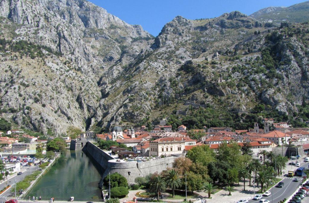 Kotor in Montenegro: Seit Monaten wird die Küstenstadt von der blutigen Abrechnung zweier rivalisierender Drogengangs erschüttert. Foto: dpa