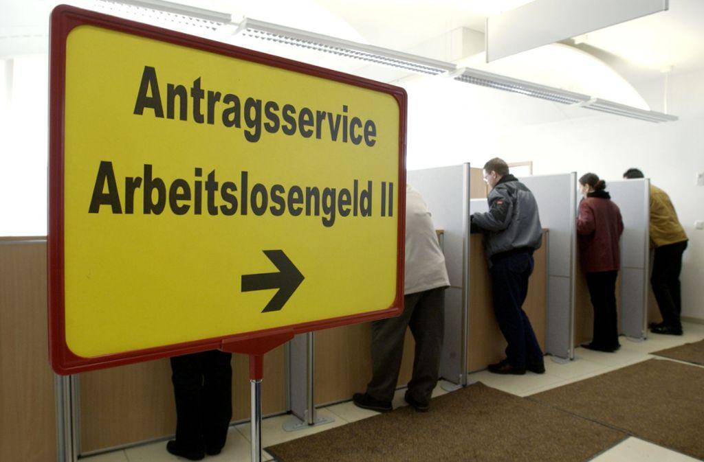 Laut Gesetz dürfen Empfänger von Hartz-IV in der Regel drei Wochen im Jahr verreisen. Foto: dapd