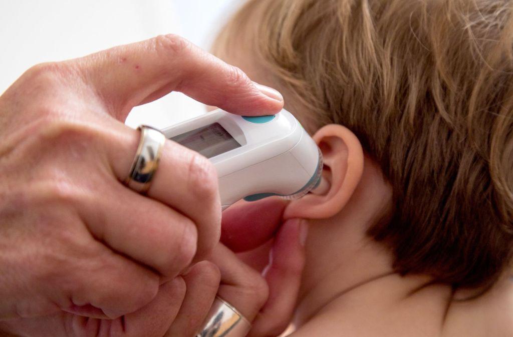 Kinder haben bei einer Infektion mit dem Coronavirus meist nur milde Symptome – es gibt aber einige sehr schwere Verläufe, die Symptome ähneln dem Kawasaki-Syndrom. Foto: dpa/Christin Klose