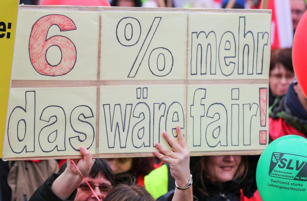 Die Gewerkschaften fordern für Beschäftigte im öffentlichen Dienst sechs Prozent mehr Lohn. Foto: dpa-Zentralbild
