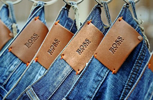 Weil die Kleiderordnung im Büro immer legerer wird, kaufen Kunden öfter  schicke Freizeitbekleidung. Darauf setzt  Hugo Boss. Foto: dpa