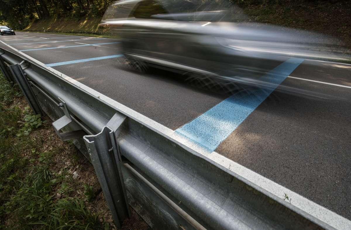 Auf der Sulzbacher Steige ist schon einiges unternommen worden, um Motorrad- und Autofahrer einzubremsen. Foto: Gottfried Stoppel