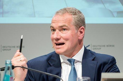 Der seit Sommer amtierende Chef der Deutschen Börse,  Carsten Kengeter, will aus den beiden  Börsenbetreibern der wichtigen Finanzmärkte London und Frankfurt einen einzigen Börsenriesen machen. Foto: