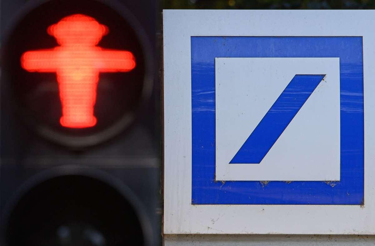 Für bundesweit 97 Deutsche-Bank-Filialen geht es nicht weiter. Foto: dpa/Robert Michael