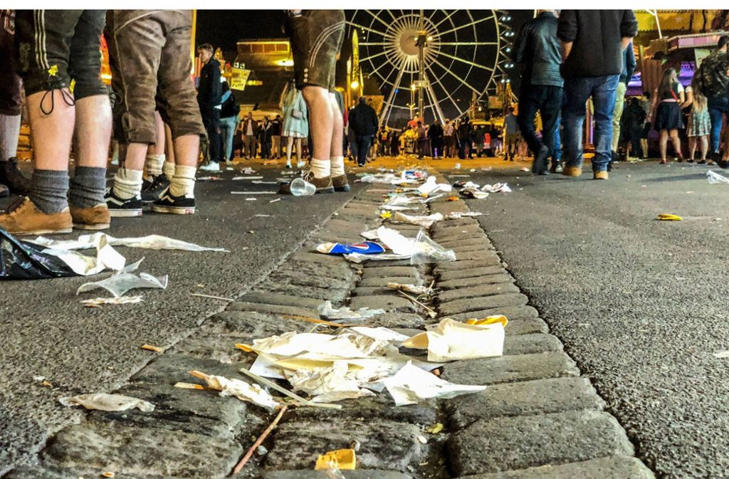 Auch wenn es zwischendurch mal heftig aussah: Die Veranstaltungsgesellschaft In.Stuttgart rechnet mit weniger Müll als im vergangenen Jahr.  Foto: 7aktuell.de/Simon Adomat