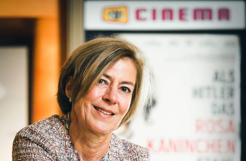 Karin Fritz vor dem Cinema Foto: Filmbüro Baden-Württemberg/Frank von zur Gathen