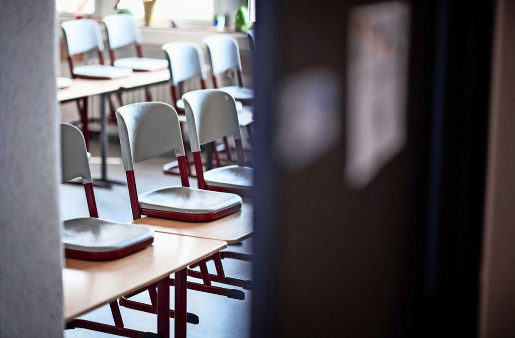 Noch sind die Klassenzimmer leer. Vom 4. Mai an ändert sich das – aber nur langsam. Foto: dpa/Fabian Strauch