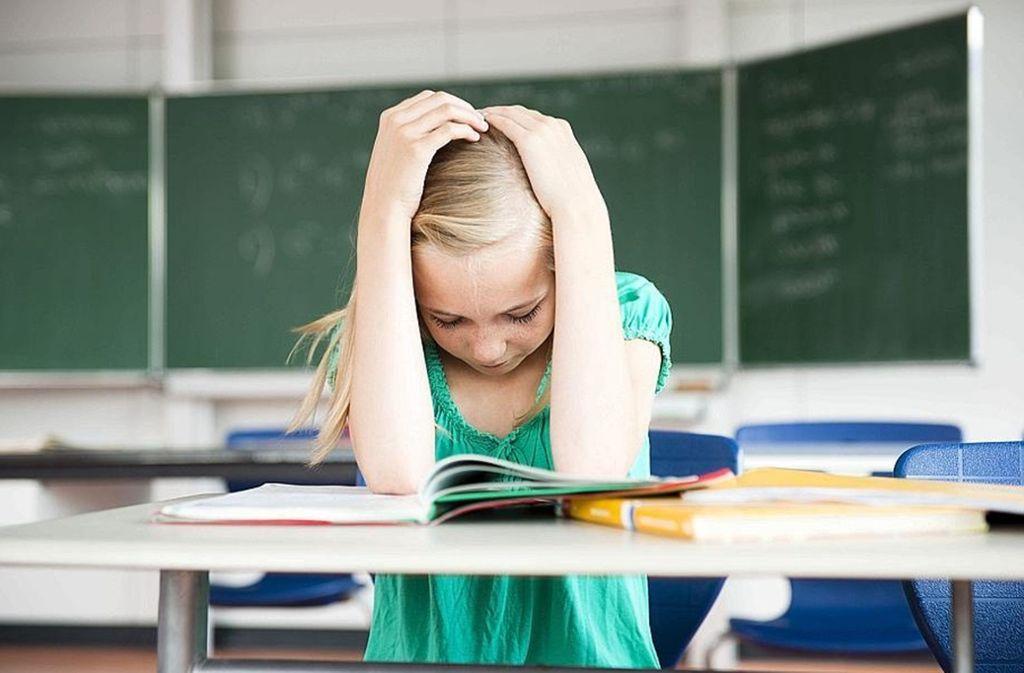Das Gymnasium stellt hohe Anforderungen – nicht alle Schüler kommen da noch mit. Foto: dpa