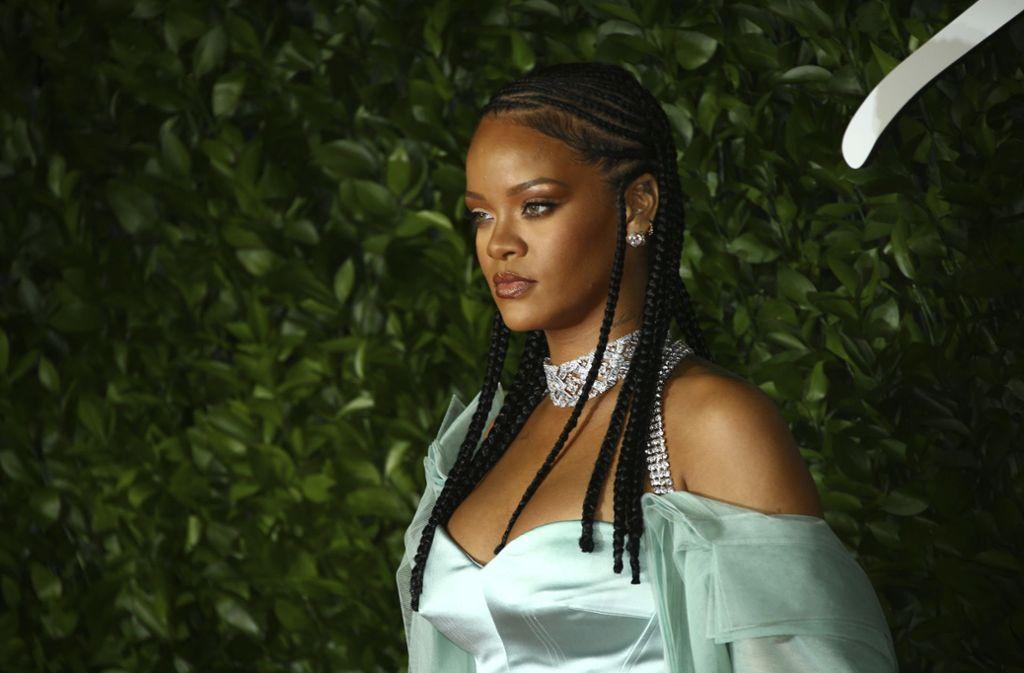 Stars wie Rihanna haben sich der Initiative Black Out Tuesday angeschlossen. Foto: AP/Joel C Ryan