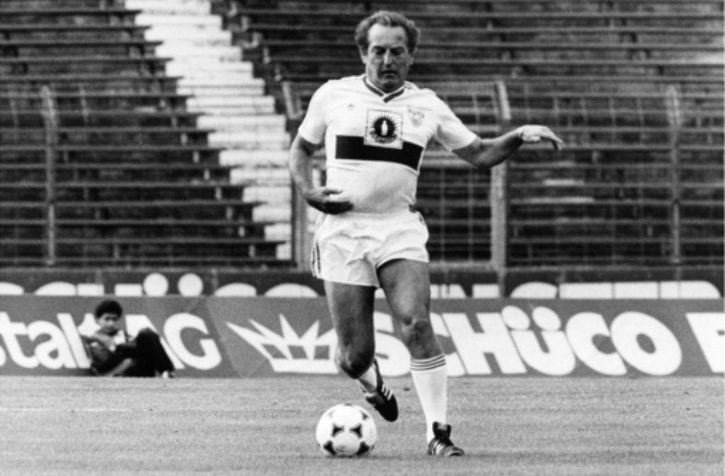 Gerhard Mayer-Vorfelder gab sich als Hobby-Fußballer gerne sportlich. Foto: Baumann