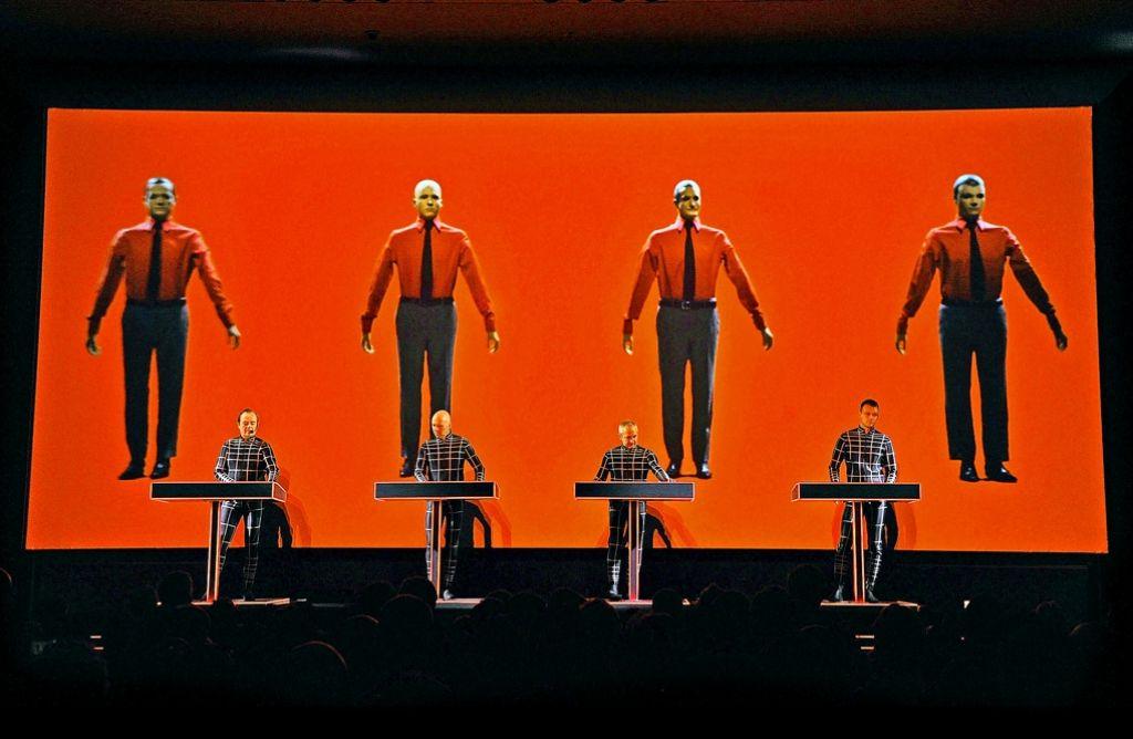 Weltweit verehrte Musiker aus deutschen Landen, allesamt um die siebzig Jahre alt: die Band Kraftwerk Foto: Getty