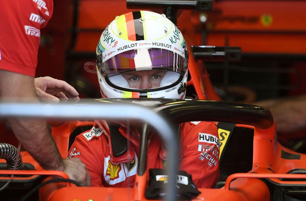Ernster Blick: Sebastian Vettel ist mit dem ersten Trainigstag in Melbourne unzufrieden. Foto: AFP