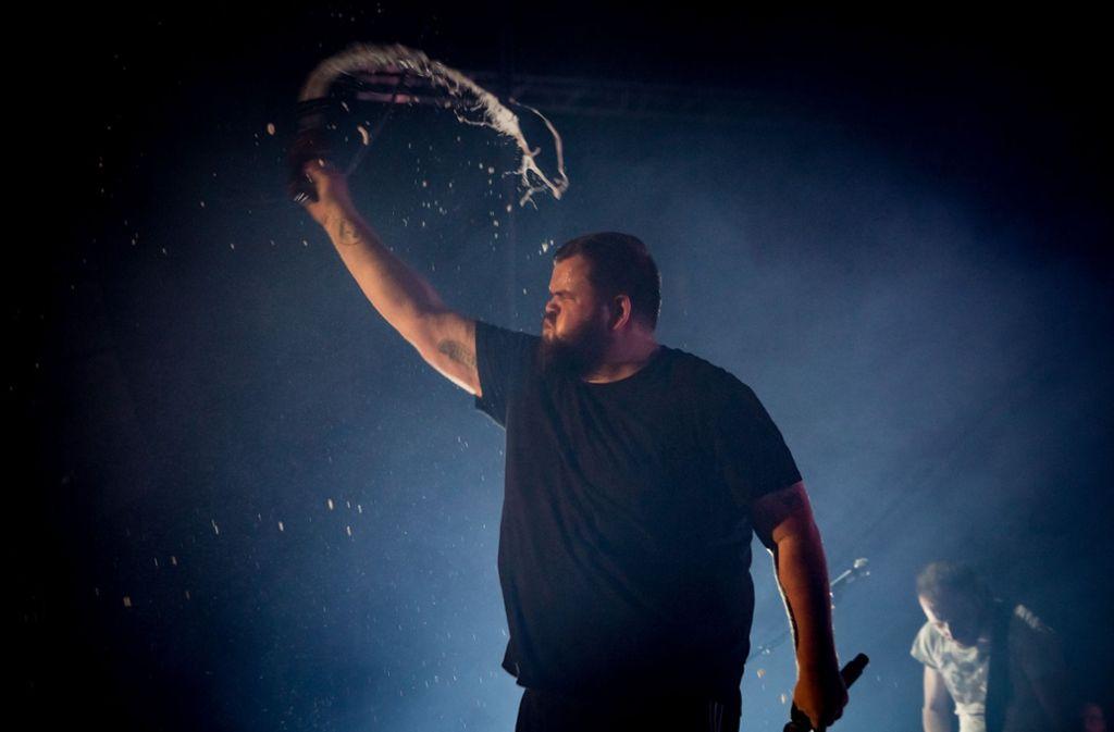 "Mächtige Performance: Jan ""Monchi"" Gorkow beim Stuttgarter Konzert Foto: Lichtgut/Julian Rettig"