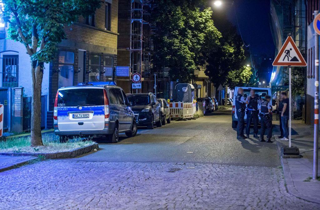 Ein Spielcasino in der Unterländer Straße in Stuttgart-Zuffenhausen ist von einem Unbekannten überfallen worden. Die Polizei suchte vergeblich nach dem Täter. Foto: 7aktuell.de/Simon Adomat