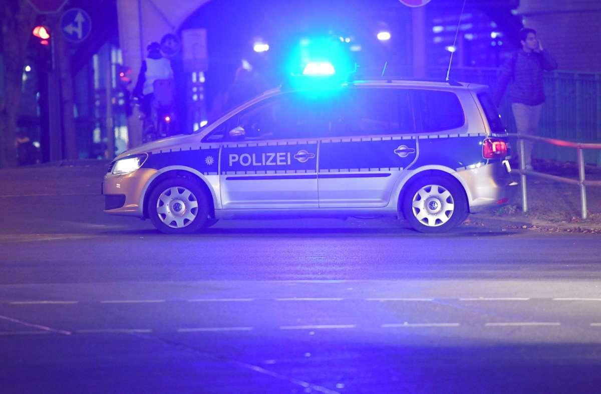 Die Vorfälle hätten sich bereits in der Nacht zum Sonntag ereignet. (Symbolbild) Foto: dpa/Paul Zinken