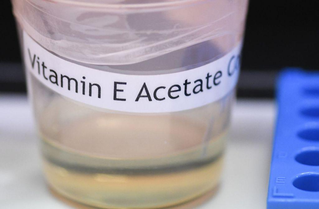 Ein aus Vitamin E gewonnenes Öl könnte an der Lungenkrankheit durch E-Zigaretten Schuld sein. Foto: AP/Hans Pennink