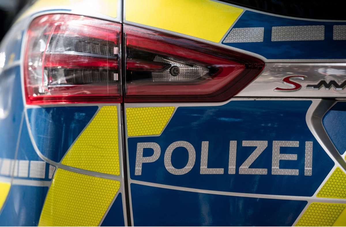 Die Polizei sucht Zeugen zu dem Vorfall in Sindelfingen. (Symbolbild) Foto: dpa/Fabian Strauch