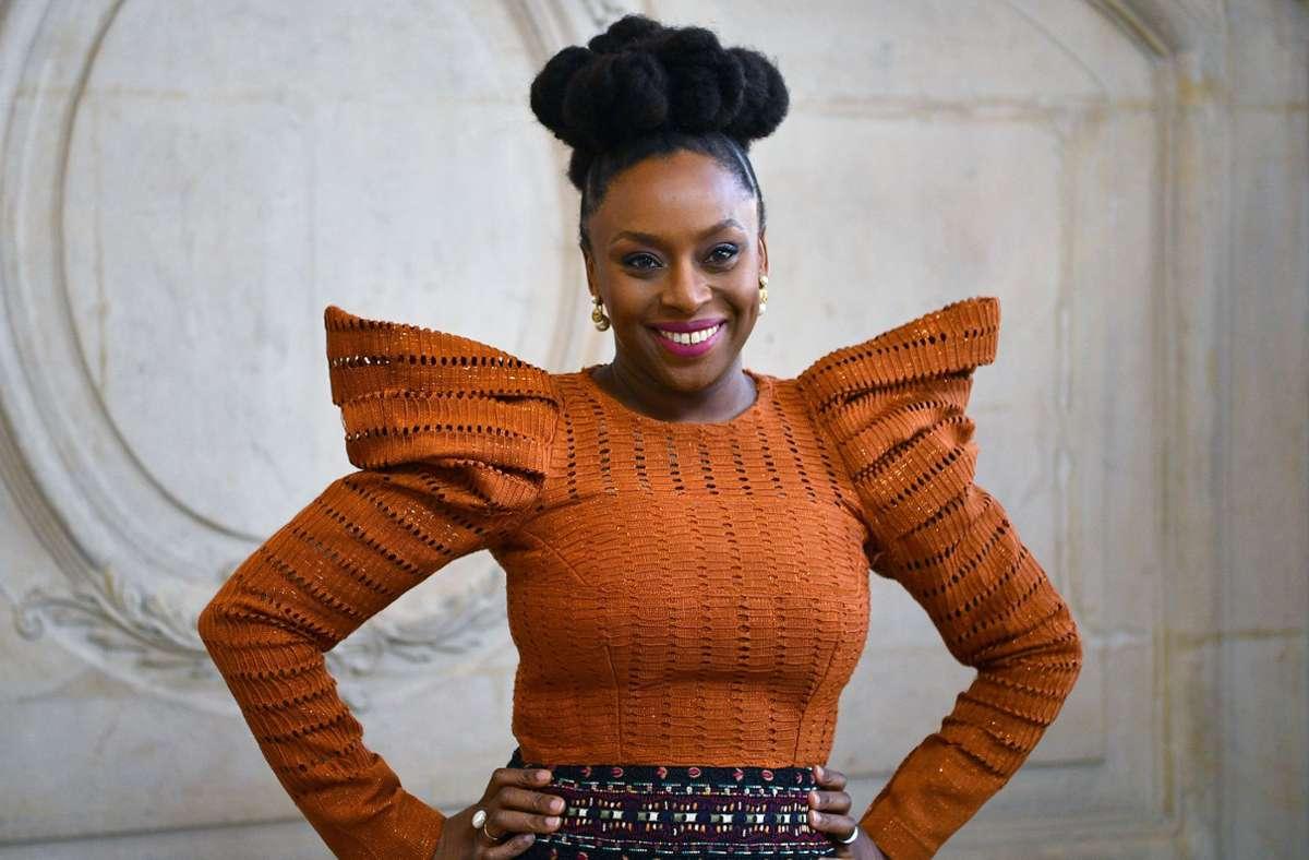 Chimamanda Ngozi Adichie kann sich über eine weitere Auszeichnung freuen, Foto: AFP/Christophe Archambault