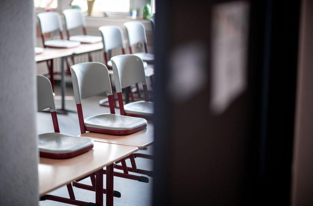 Die Schulen sollen wohl stufenweise wieder geöffnet werden. (Symbolbild) Foto: dpa/Fabian Strauch