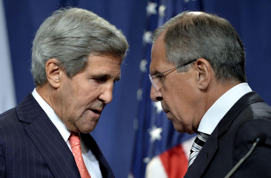 Russlands Außenminister Sergej Lawrow (rechts) und sein US-Kollege John Kerry wollen die Gespräche fortsetzen. Foto: dpa