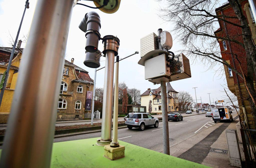 Nicht nur der Standort der  Stickstoffdioxid-Messstelle an der Ludwigsburger Friedrichstraße ist umstritten. Foto: factum/Granville