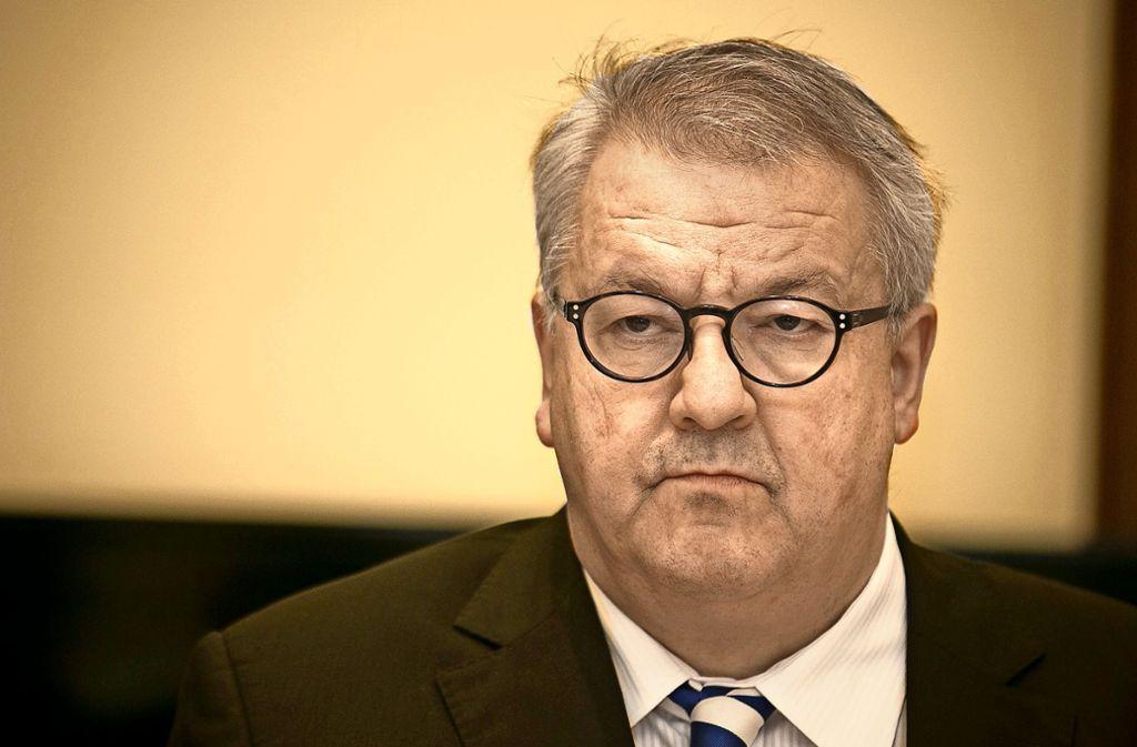 Als Mitglied der AfD-Fraktion hat Eberhard Brett resigniert: Er will jetzt lieber Einzelstadtrat in Stuttgart sein. Foto: Lichtgut/Leif Piechowski