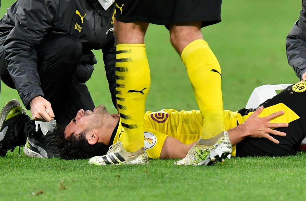 Die Verletzung von Mateu Morey trübt den Einzug des BVB ins DFB-Pokalfinale. Foto: dpa/Martin Meissner