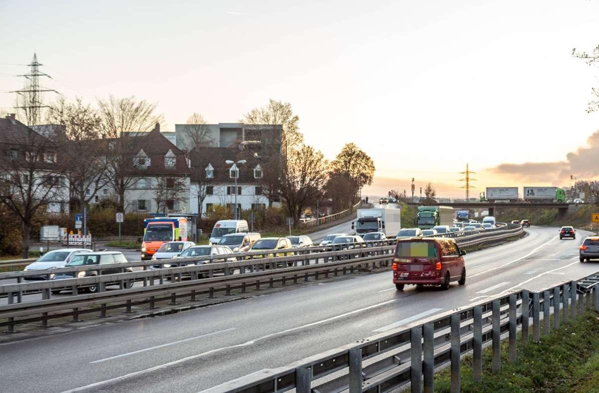 Der Rückstau reichte vom Unfallort bis zur Ausfahrt Esslingen-Zell. Foto: 7aktuell.de