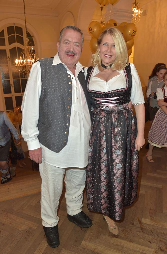 Schauspieler Joseph Hannesschläger hielt seine Freundin Bettina Geyer im Arm. Foto: Getty Images Europe
