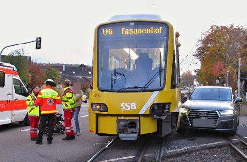 Polizei sucht nach Stadtbahnunfall Zeugen