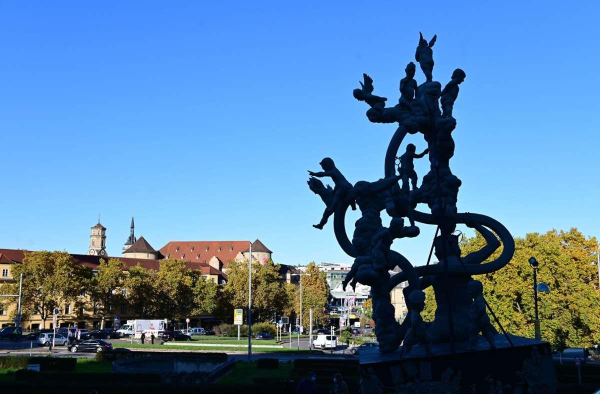 Der Künstler Peter Lenk will seine Stuttgart-21-Skulptur an den Bodensee zurückholen, wenn sich kein neuer Standort findet und sie nicht am Stadtpalais bleiben darf . Foto: Lichtgut/Piechowsk