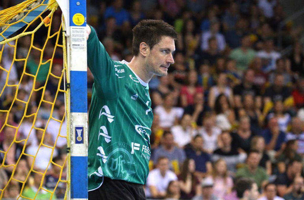 Seit 619 Spielen zwischen den Pfosten des Handballtores: Carsten Lichtlein. Foto: Baumann