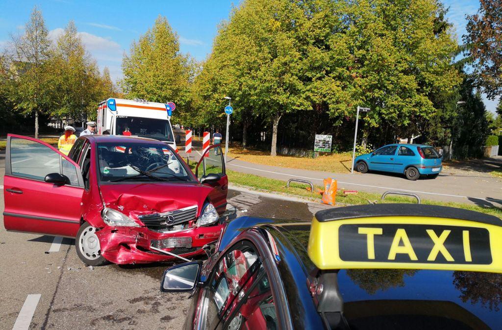 In Weilimdorf kam es zu einem Unfall mit einem Taxi. Foto: Andreas Rosar/Andreas Rosar