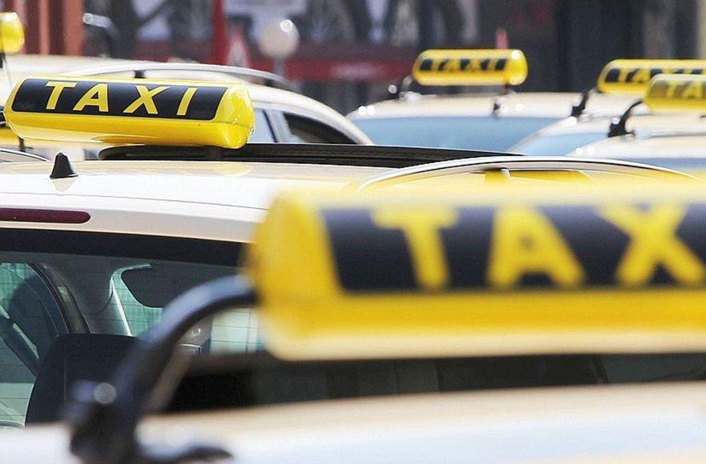 Eine Taxifahrt in die Halbhöhenlage kann mitunter in einem filmreifen Desaster enden. Foto: dpa
