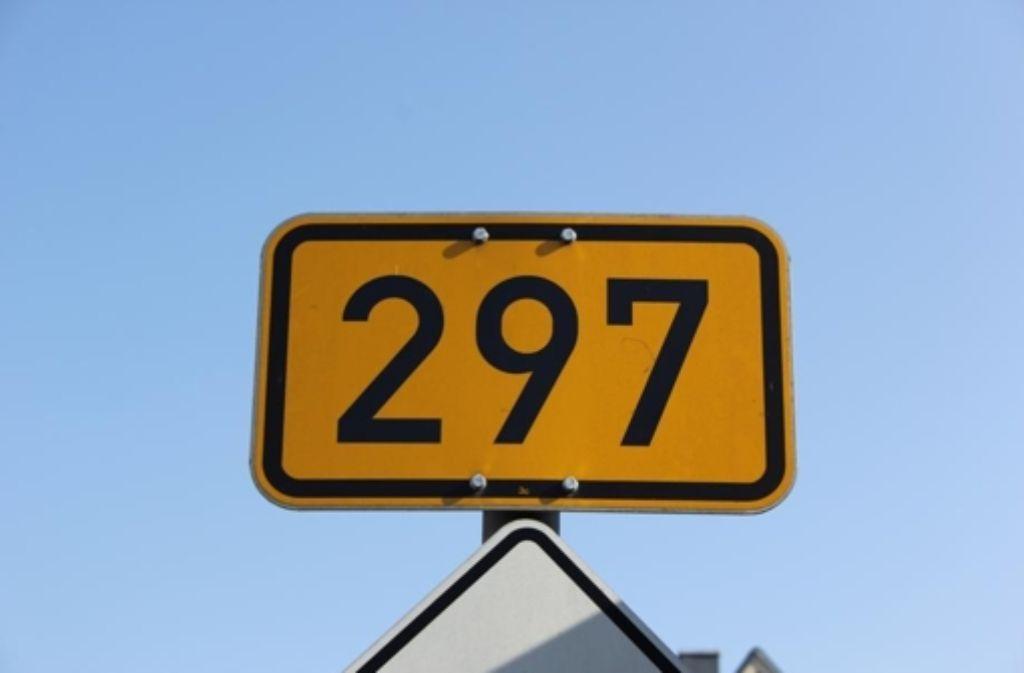 Die  auf der Ortsdurchfahrt Rechberghausen überlastete B297 könnte durch den Ausbau der schmalen Straße zwischen Bartenbach und dem Weiler Krettenhof entlastet werden, behauptet ein Gutachten. Foto: STZ