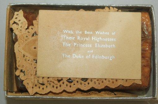 68 Jahre altes Stück Kuchen wurde versteigert