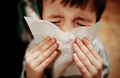 Eisenmann will mehr Kinder-Krankentage für Eltern