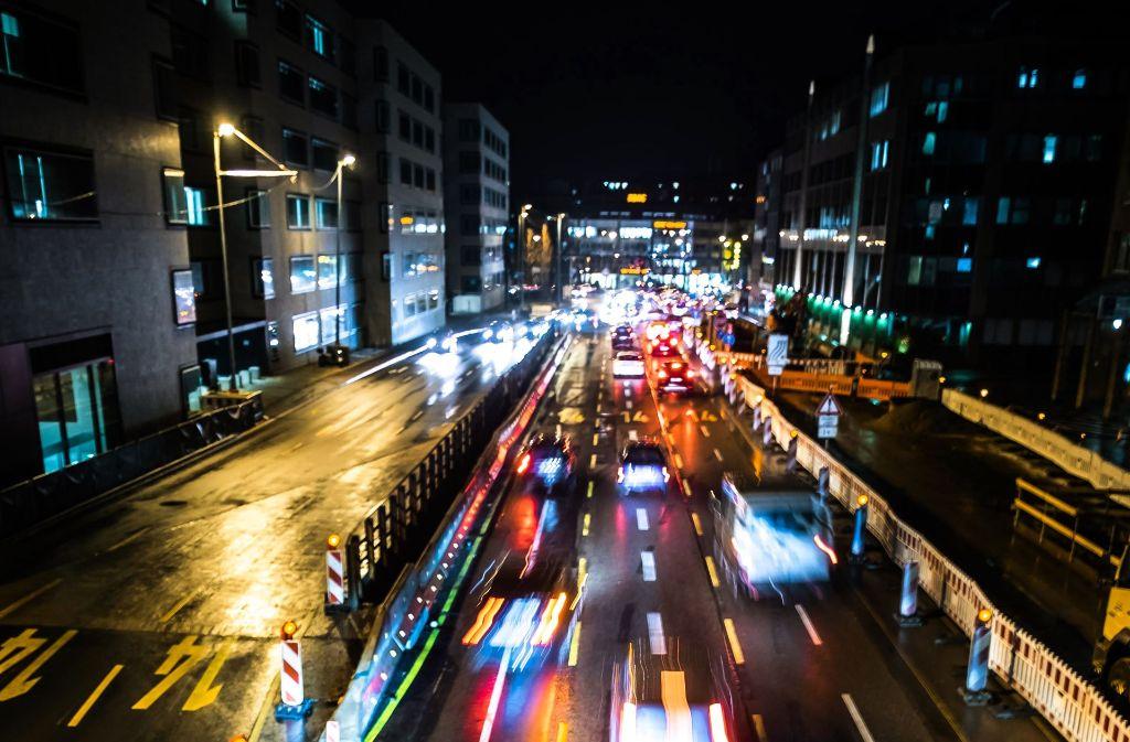 Der Autoverkehr mit vielen Dieseln ist Hauptquelle des Stickoxids. Foto: Lichtgut/Max Kovalenko