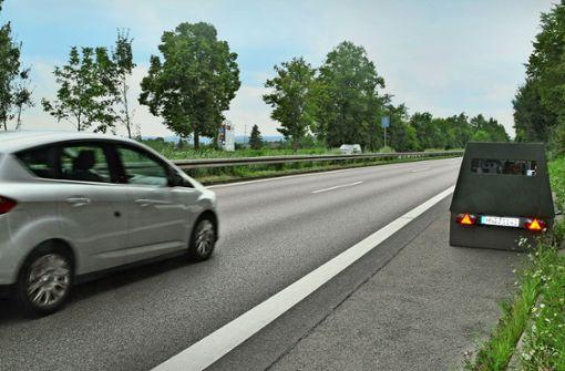 Mobiler Blitzer blitzt in  vier Wochen  3149 Autos