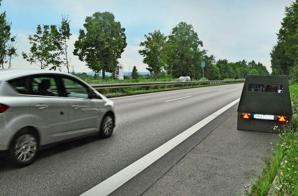Auf der Bundesstraße 27 war der sogenannte Enforcement Trailer besonders erfolgreich. Viele Autofahrer wurden geblitzt  – und beschwerten sich hinterher. Foto: Archiv