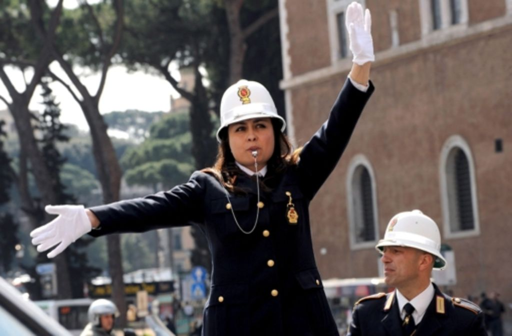 Hüter der Ordnung: die italienische Polizei ist nicht immer so engagiert wie hier. Foto: dpa