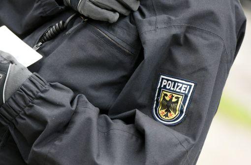 Baden-Württemberg schickt Polizisten und Wasserwerfer nach Sachsen