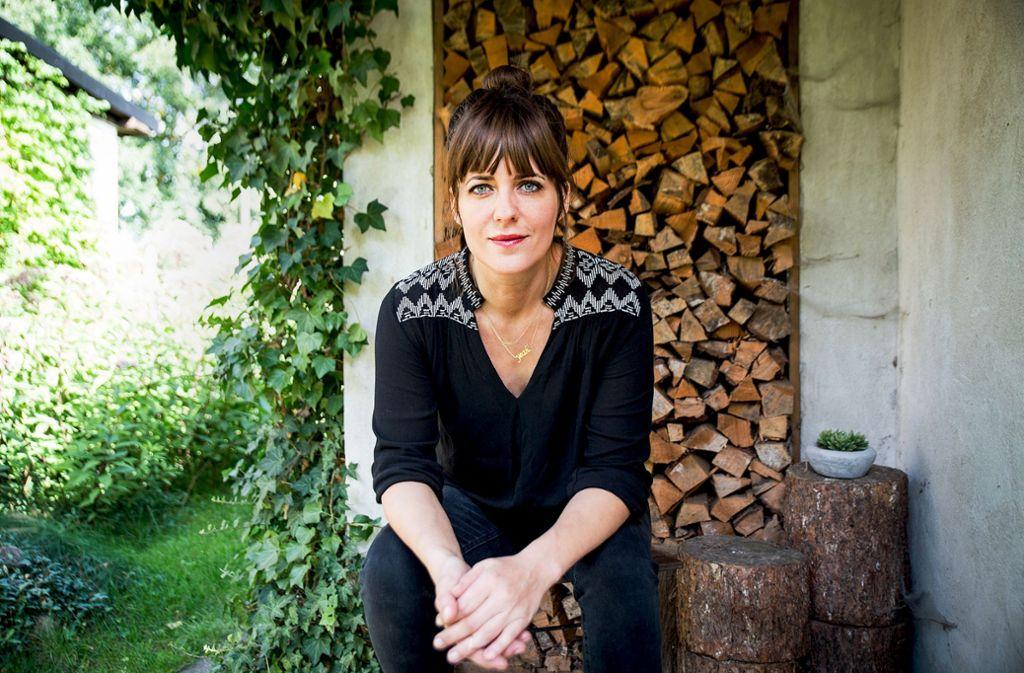 Sarah Kuttner drückt sich immer ein bisschen anders aus als andere. Foto: Katharina Hintze