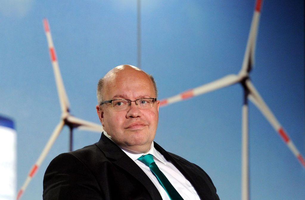 Wirtschaftsminister Peter Altmaier (CDU) ist für das Gelingen der Energiewende verantwortlich. Er sagt, die Krise der Windkraft gehe auf das Konto des Umwelt-Ressorts. Foto: dpa/Carsten Rehder