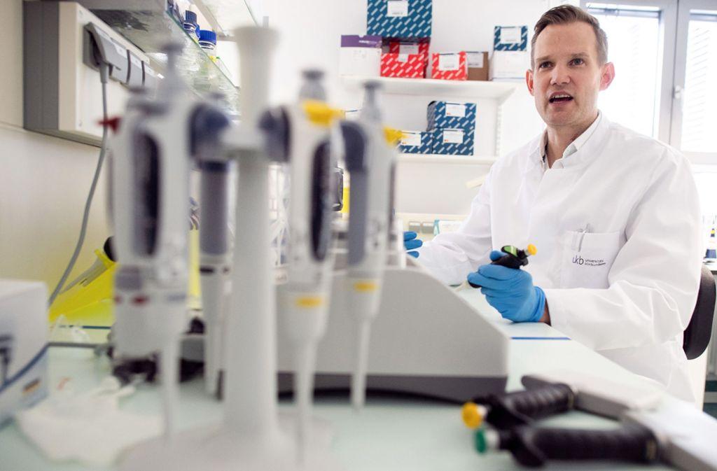 Laut des Virologen Hendrik Streeck haben 81 Prozent der Infizierten keine oder kaum Symptome gezeigt. Foto: dpa/Federico Gambarini